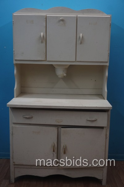 ... Antique Hoosier Cabinet with Built in Flour Sifter. DSC02517 - Antique Hoosier Cabinet With Built In Flour Sifter - Macs Bids